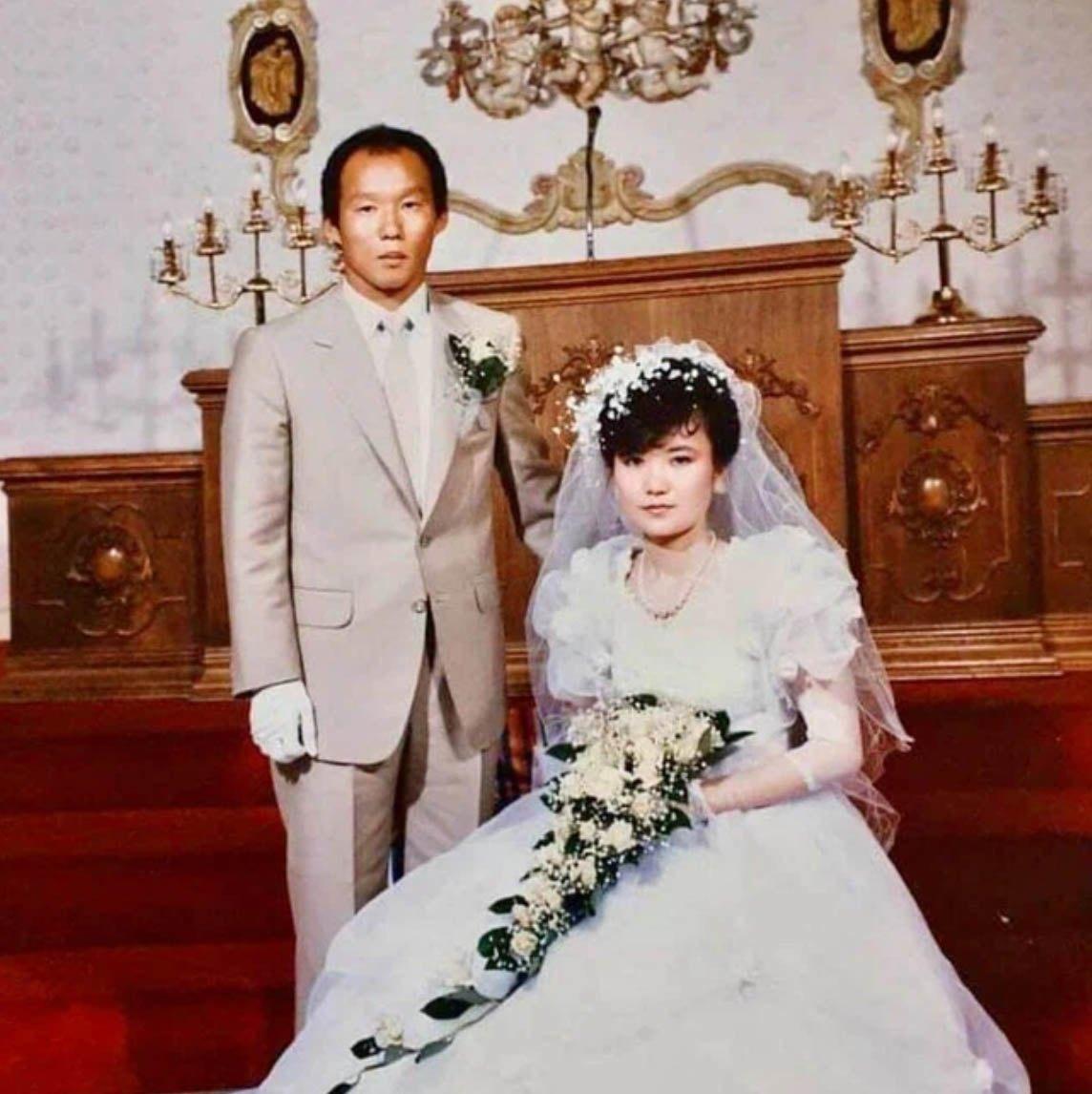 Dung nhan bà xã HLV Park Hang Seo trong ảnh cưới ngày trẻ kiêu sa, có tuổi càng kiều diễm - 1