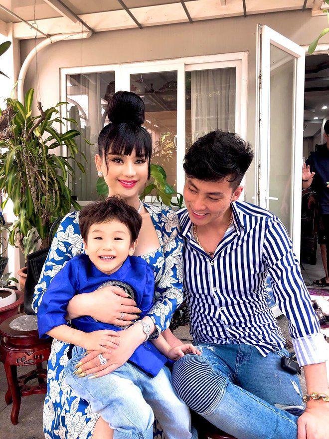 3 tuổi, con trai Lâm Khánh Chi lớn phổng phao, mũi cao, mắt một mí đẹpnhư trai Hàn Quốc - 5