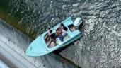 Hốt hoảng cảnh thuyền chở khách thăm quan mất kiểm soát trôi sát mép đập