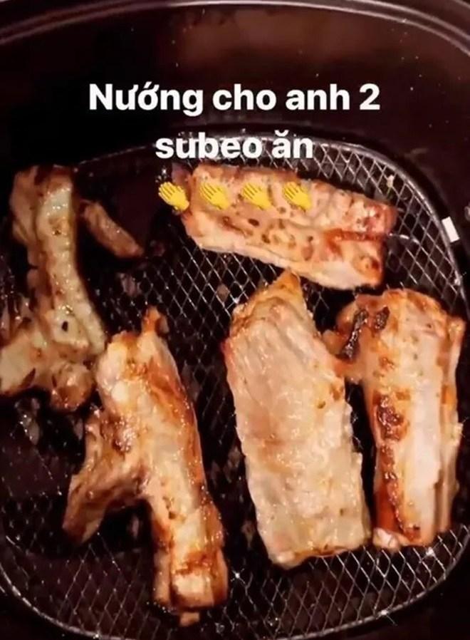 Sao vào bếp: Hồ Ngọc Hà lần đầu khoe làm bánh cho con trai Subeo, mẹ ruột khen nức nở - 10
