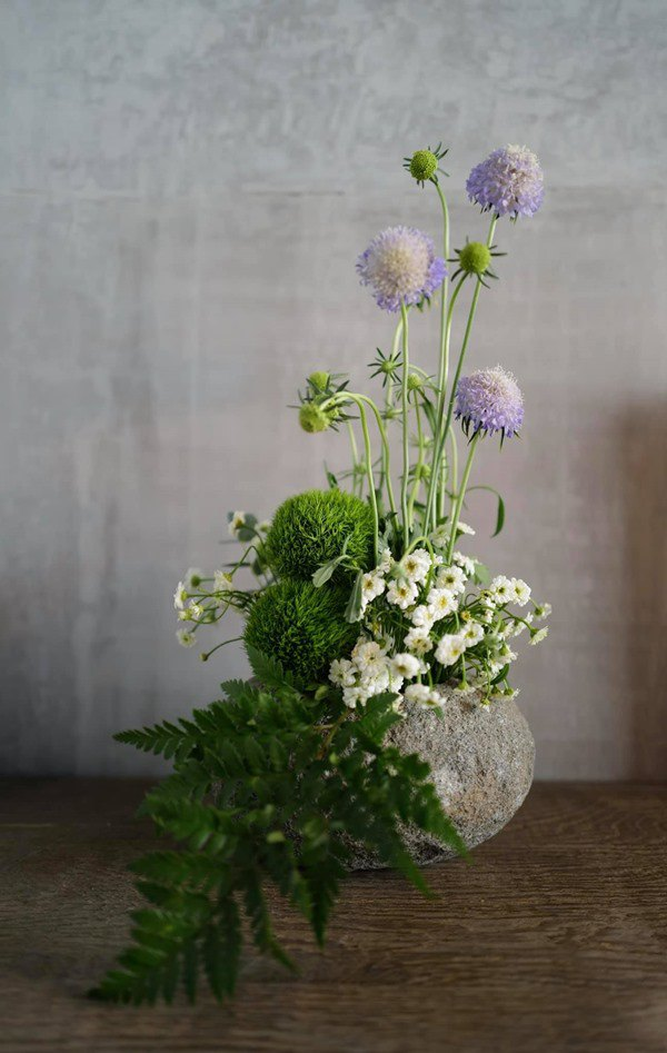 Nhà Celeb: Diva Hồng Nhung thảnh thơi cắm hoa, tới hoa hậu cũng khen không ngớt - 5