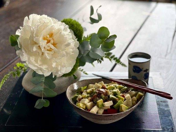 Nhà Celeb: Diva Hồng Nhung thảnh thơi cắm hoa, tới hoa hậu cũng khen không ngớt - 8