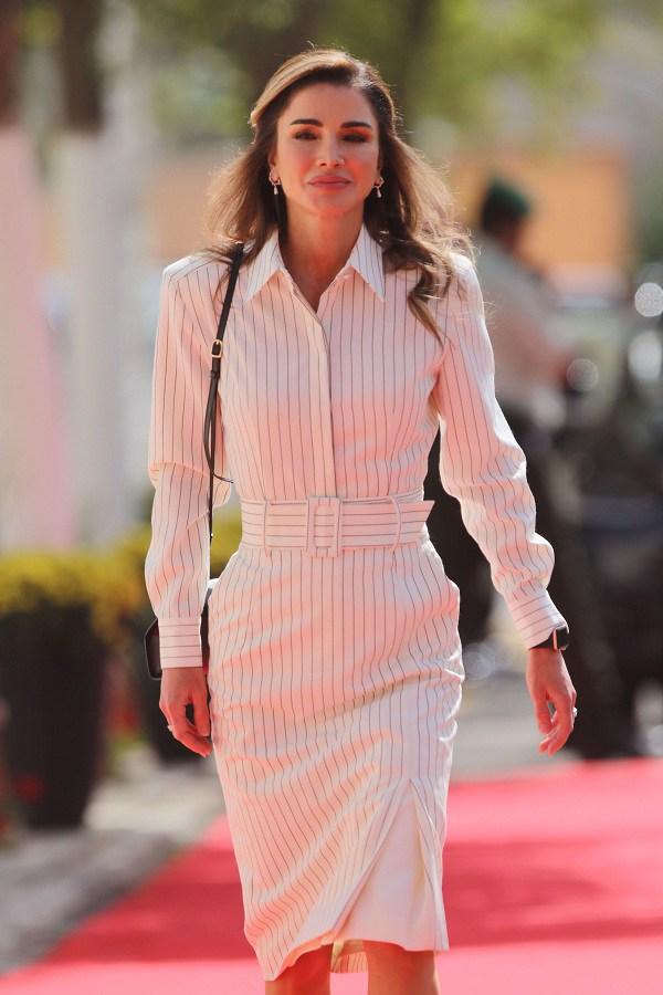 Nổi tiếng vì style sang trọng, Hoàng hậu Jordan còn khéo phối đồ amp;#39;amp;#39;hackamp;#39;amp;#39; dáng siêu chuẩn - 5