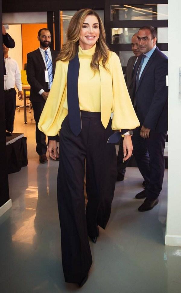 Nổi tiếng vì style sang trọng, Hoàng hậu Jordan còn khéo phối đồ amp;#39;amp;#39;hackamp;#39;amp;#39; dáng siêu chuẩn - 10