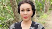 """Việt Hương """"kêu trời"""" vì bà giúp việc vụng về nấu nướng: Xào rau lẫn cỏ, tóc rơi trong canh"""