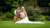 Chú rể 1m1 cưới vợ 1m7, trở thành cặp đôi chênh lệch chiều cao lớn nhất thế giới