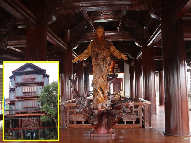 Choáng ngợp trước căn nhà 5 tầng làm hoàn toàn bằng gỗ quý độc nhất vô nhị ở Hà Tĩnh