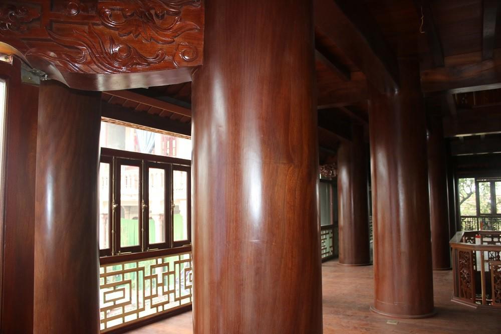 """Choáng ngợp trước căn nhà 5 tầng làm hoàn toàn bằng gỗ quý """"độc nhất vô nhị"""" ở Hà Tĩnh - 2"""
