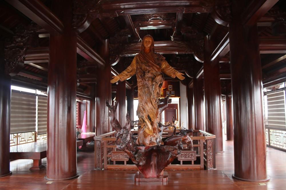 """Choáng ngợp trước căn nhà 5 tầng làm hoàn toàn bằng gỗ quý """"độc nhất vô nhị"""" ở Hà Tĩnh - 5"""