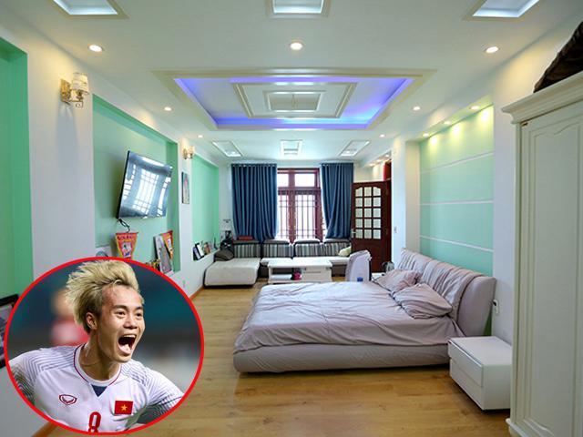 Hóa ra ở nhà, Văn Toàn tóc bạch kim còn có hẳn phòng riêng vừa rộng vừa đẹp lung linh