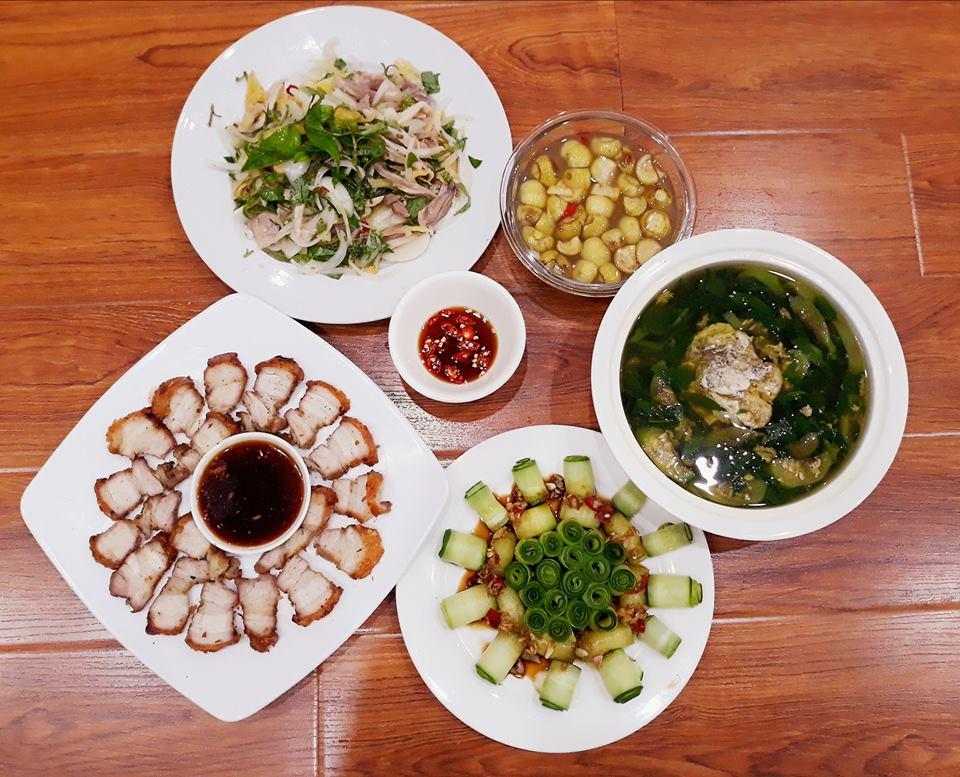 vo 14 nam nau com ngon, chong chang chiu khen nhung giau diem suot ngay len khoe dong nghiep - 2