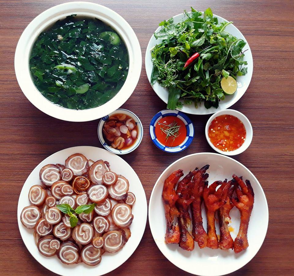 vo 14 nam nau com ngon, chong chang chiu khen nhung giau diem suot ngay len khoe dong nghiep - 1
