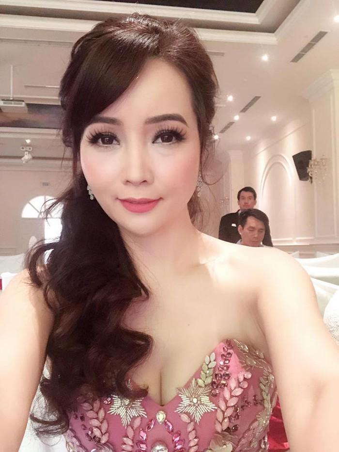 """mai thu huyen dinh nghi van thoat khong khoi cam do """"dao keo"""" khi lo mui xieu veo - 1"""