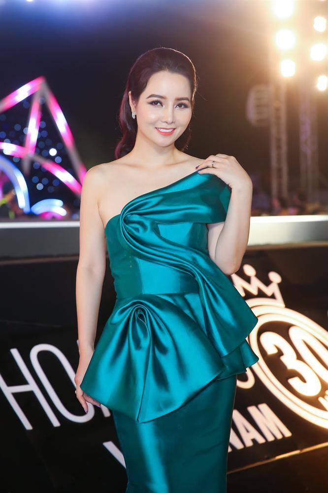 """mai thu huyen dinh nghi van thoat khong khoi cam do """"dao keo"""" khi lo mui xieu veo - 2"""