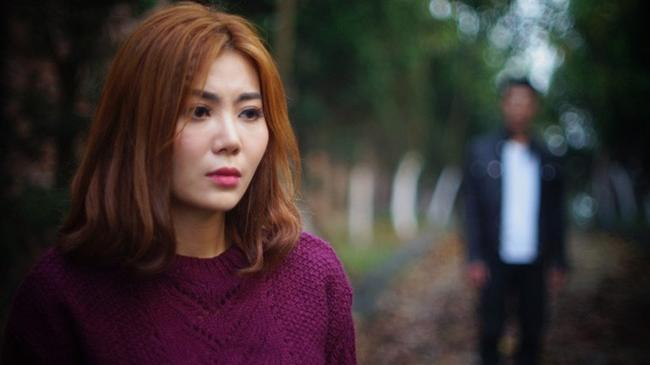 """doi khong nhu phim: hoa hau ban dam an """"gach da"""", dan """"gai nganh"""" quynh bup be duoc cam thong - 4"""