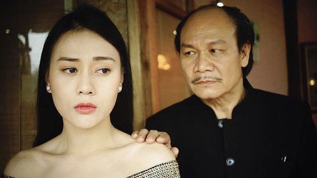 """doi khong nhu phim: hoa hau ban dam an """"gach da"""", dan """"gai nganh"""" quynh bup be duoc cam thong - 7"""