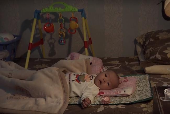 Sự thật giờ mới được tiết lộ: Con trai Quỳnh búp bê thực chất là một… bé gái - 1