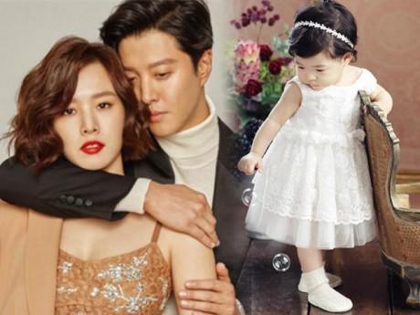 """Ngôi sao 24/7: Con gái của """"cặp đôi bị ghét nhất Hàn Quốc"""" đáng yêu và xinh đến không ngờ"""