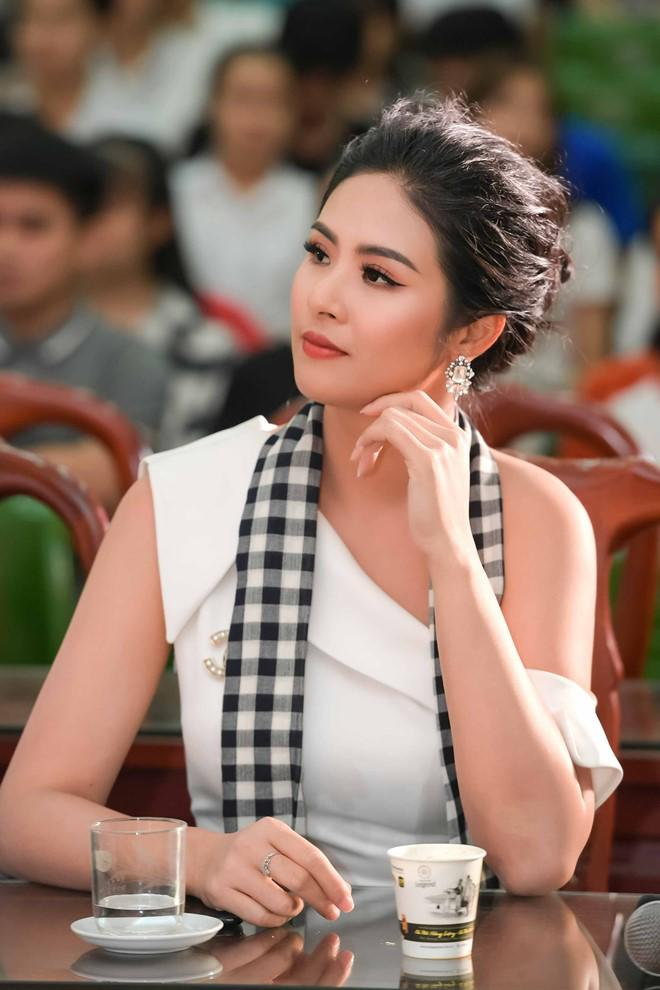 "hoa hau ngoc han: ""toi luong het duoc nhung gi se dien ra voi tieu vy"" - 5"