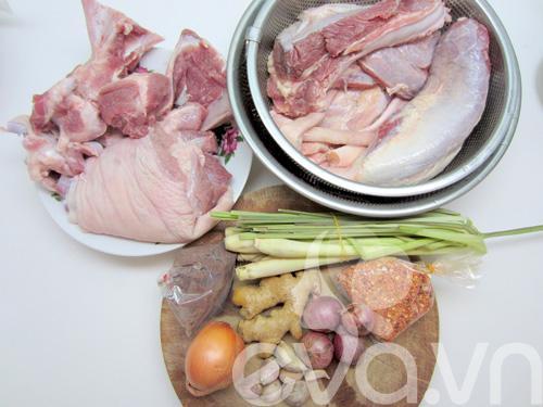 Cách nấu bún bò Huế ngon nhất tại nhà ai cũng làm được