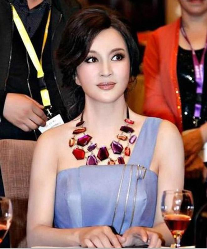 chan dong ca chau a nhung scandal tron thue cua pham bang bang chua bang mot goc my nhan nay - 4
