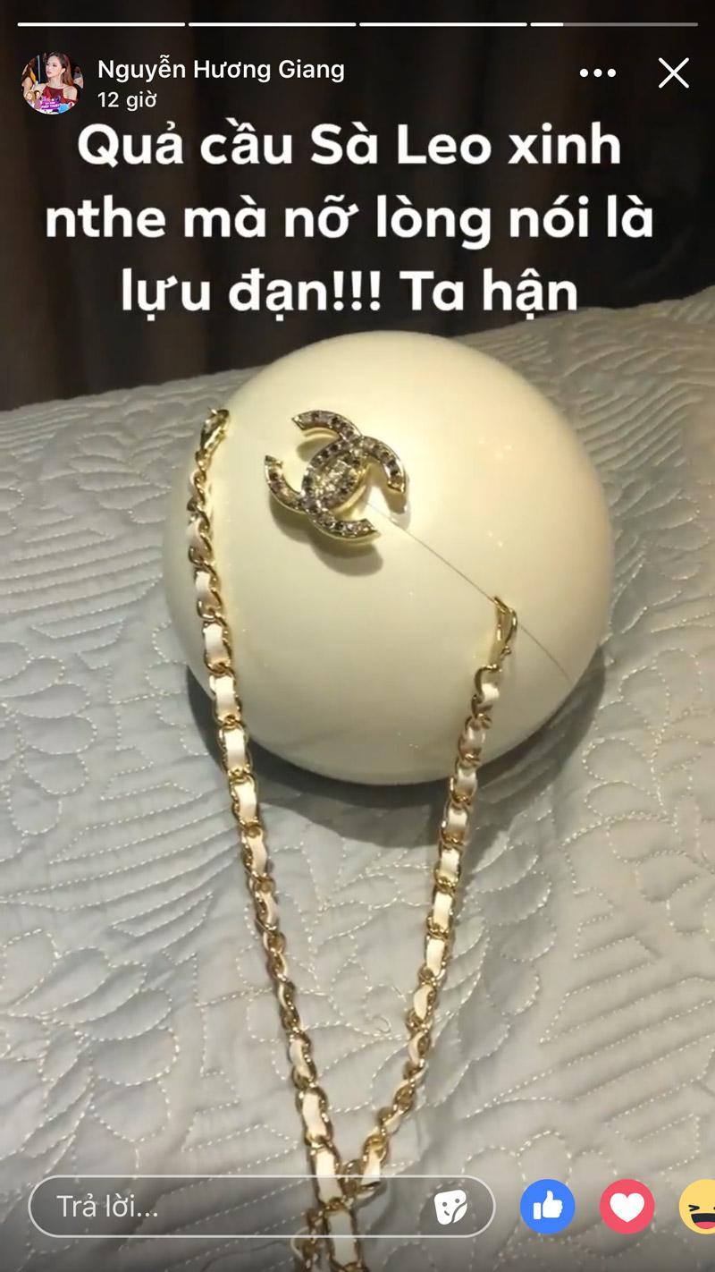 """hoa hau huong giang """"oan han"""" vi xach tui hang hieu ma ai cung bao...xach luu dan - 2"""