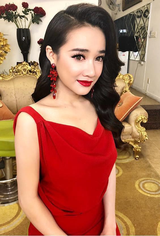 Tiểu Vy - Nhã Phương: người Hoa hậu, người cô dâu mới nhưng họ đều có điểm chung này
