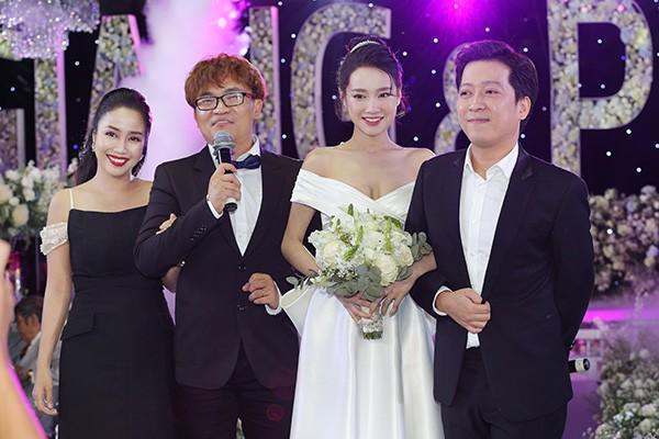 Có ai ngờ, cô gái năm xưa Trường Giang yêu thầm lại làm MC trong đám cưới anh