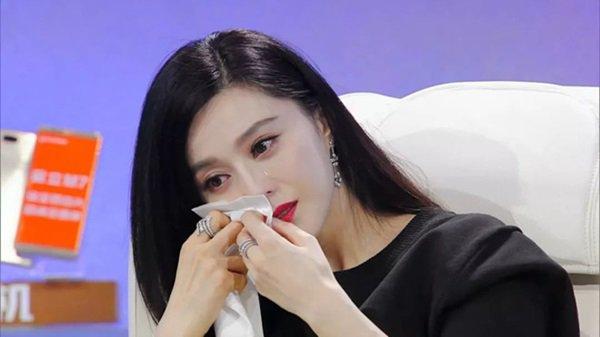 """pham bang bang - song hye kyo: su giong nhau ky la cua 2 """"chi dai"""" bang tuoi - 10"""
