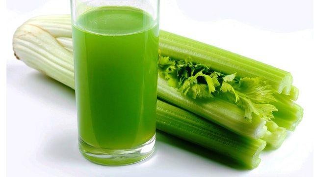 Nhiều người uống nước ép cần tây giảm cân nhưng nếu không chú ý điều này có thể mất mạng