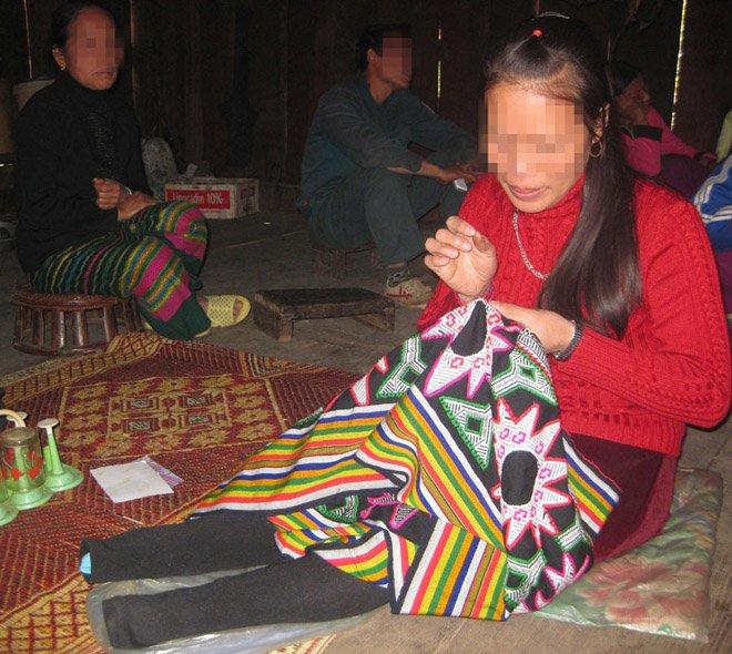 """3 phu nu thoat khoi """"to quy"""": nguoi bi chau chu nha cuong hiep, ke bi tiem thuoc tay nao - 3"""