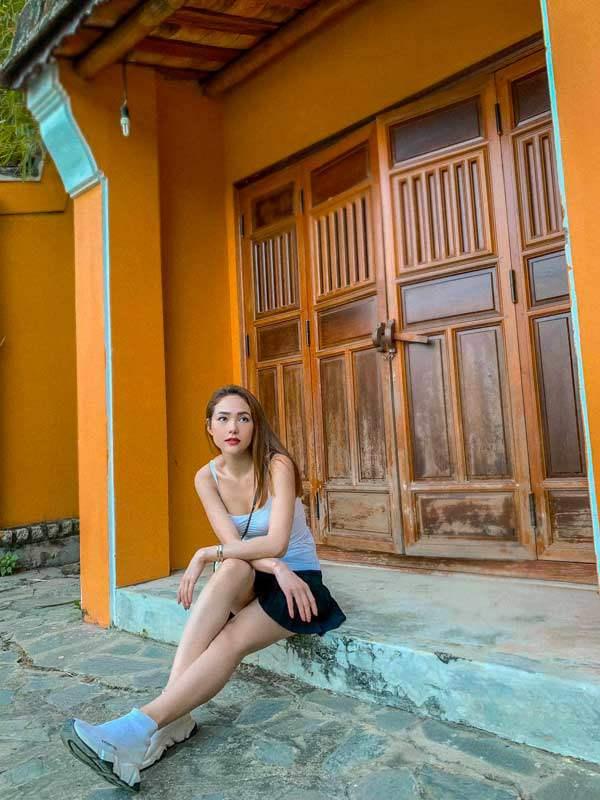 o tuoi 32, minh hang van tre trung nho cach chon trang phuc doi thuong an gian tuoi tac - 13