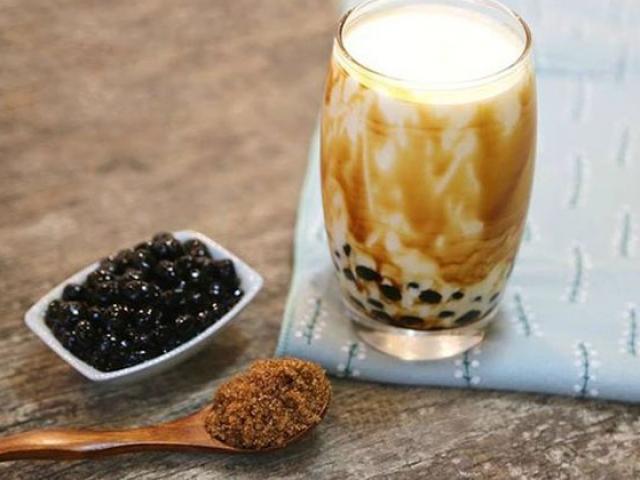 Chuyên gia Singapore cảnh báo: Trà sữa trân châu đường đen là loại trà nguy hại nhất tới sức khỏe