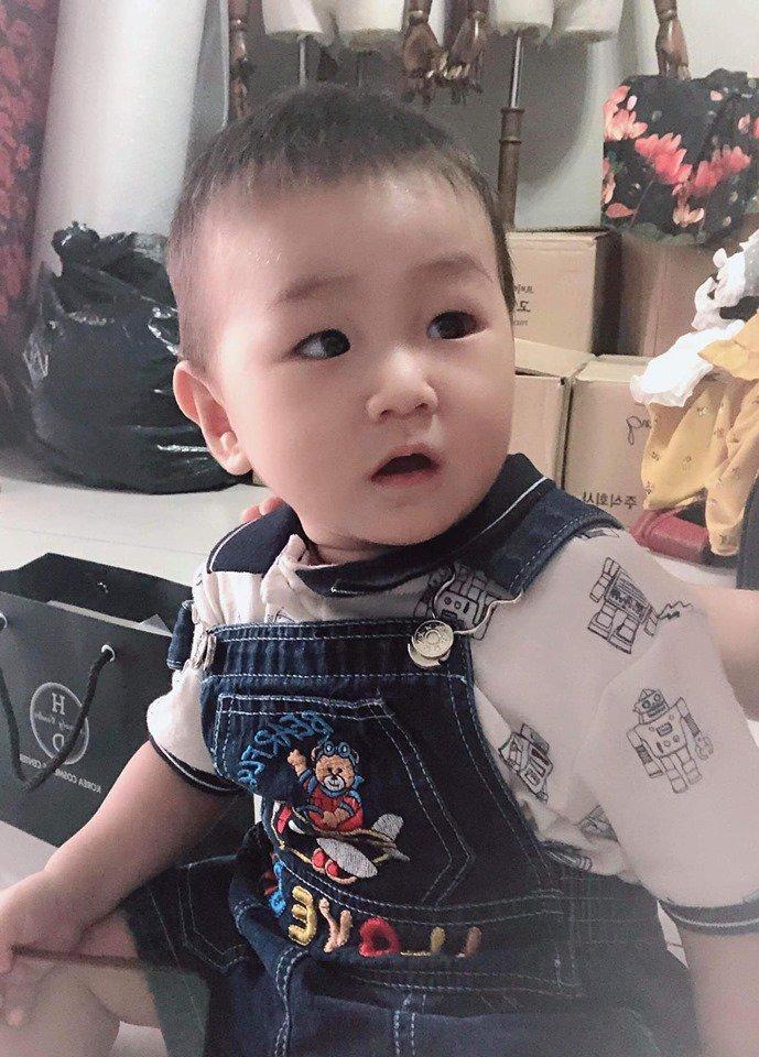 con trai lam khanh chi 9 thang tuoi, ky la dan tinh thay be cang lon cang giong nguoi nay! - 8