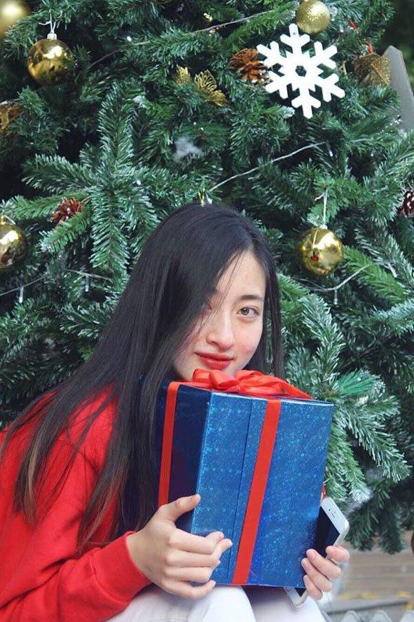 can canh nhan sac doi thuong cua tan hoa hau the gioi viet nam 2019 luong thuy linh! - 6