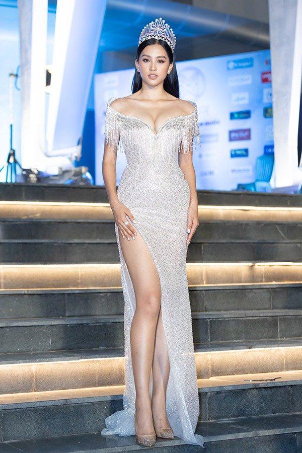 truc tiep: luong thuy linh dang quang miss world viet nam 2019! - 13