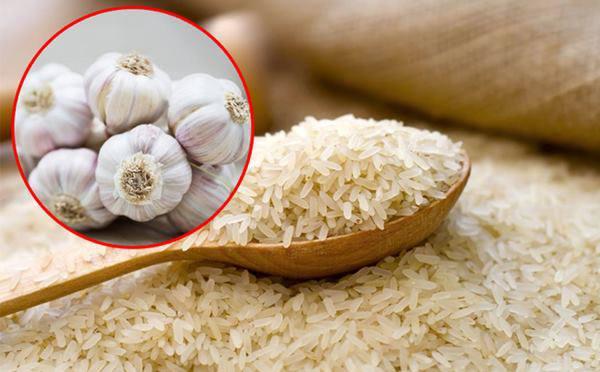 Âm thầm vùi củ tỏi vào thùng gạo, công dụng đảm bảo làm mọi người ngạc nhiên - 1