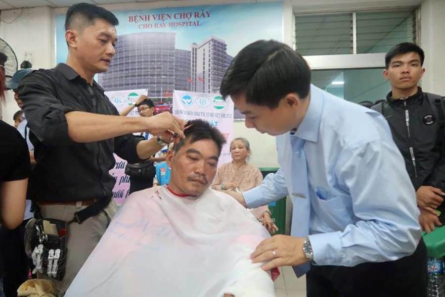"""vi bac si """"ty phu 0 dong"""" cua hang ngan benh nhan - 3"""