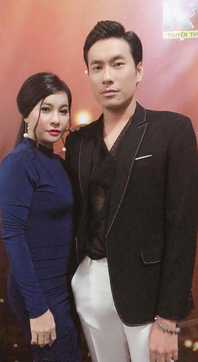 """chieu """"cat duoi"""" ke thu 3 cua vo sao viet: chang can mang mo dan tinh van khen cao tay - 9"""