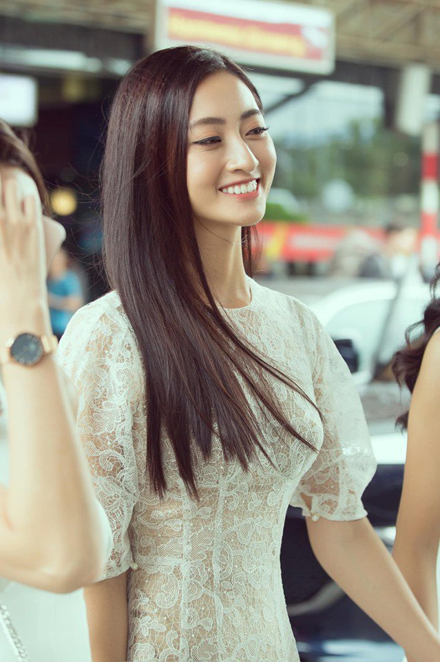 bang chung cho thay hoa hau luong thuy linh dich thi la thien than ao trang moi cua vbiz - 1