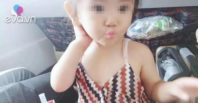 Bé gái gần 2 tuổi đã nhiễm virus lây qua đường tình dục, mẹ sốc khi biết nguyên nhân