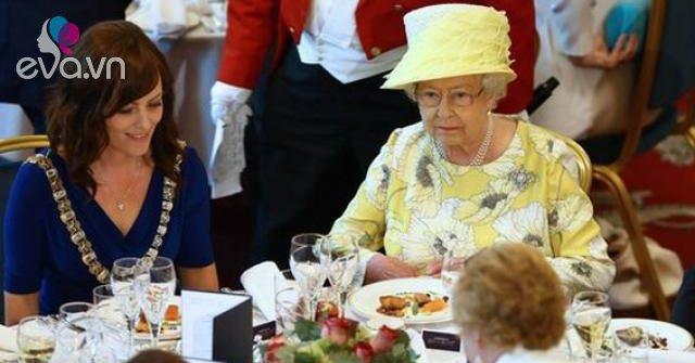 Cựu đầu bếp hoàng gia tiết lộ 3 thói quen ăn uống giúp nữ hoàng Anh sống tới 93 tuổi