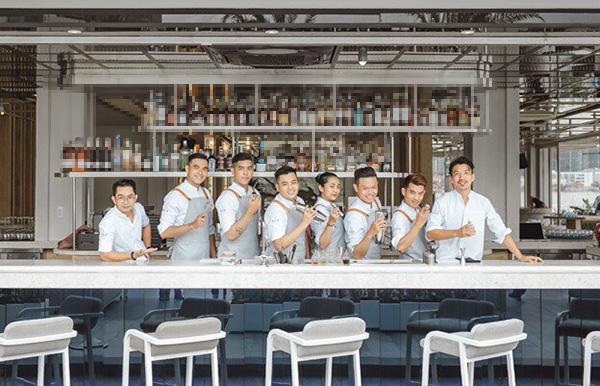 r.o.s - asian cuisine & mixology - diem hen cuc dang cap ngay ben bach dang - 3