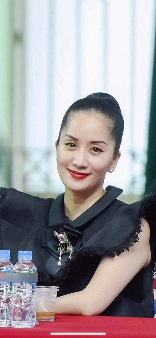 """Vẫn rất xinh đẹp, nhưng tuổi thật của Khánh Thi đã bị """"tố"""" rõ bởi chi tiết này - 1"""