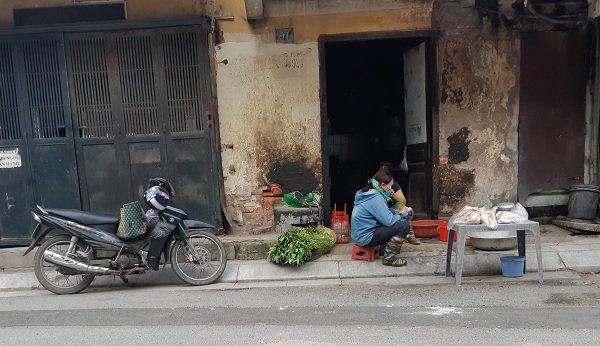 """mot tuan sau vu chay kho rang dong: mui khet let van nong nac, nguoi dan """"song cung khau trang"""" - 4"""