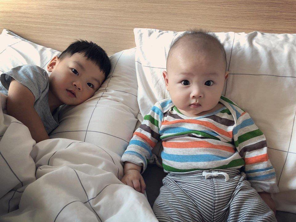 hoa hau hong kong 2012: tu nguoi dep nhieu thi phi toi me bim cuong con - 16
