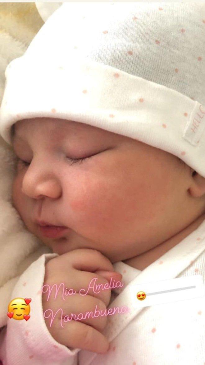 Chung Thục Quyên bất ngờ tiết lộ vừa sinh con gái, danh tính bố của đứa bé gây tò mò-3