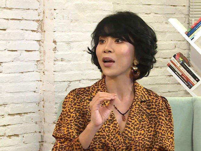"""cuoi """"phi cong tre"""" kem 8 tuoi, nu mc khac nguoi nhat nhi showbiz chon chong hien, khong chon giau - 7"""