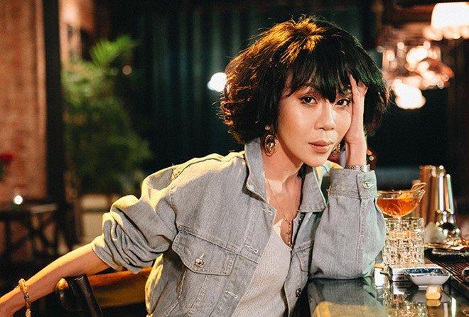 """cuoi """"phi cong tre"""" kem 8 tuoi, nu mc khac nguoi nhat nhi showbiz chon chong hien, khong chon giau - 1"""