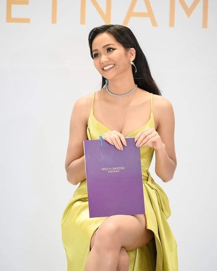 "dang anh cham thi miss universe vietnam 2019, h'hen nie lo dang mum mim, ""dap tan"" tin don nang nguc - 6"